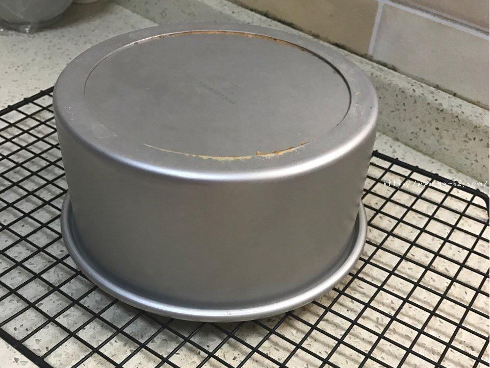 秒杀一切的最柔软细腻豆渣蛋糕的做法 步骤12