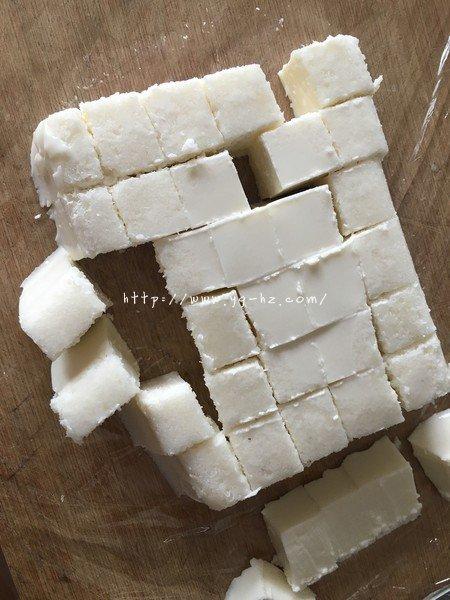 椰奶冻(雪花膏)吉利丁粉版的做法 步骤6