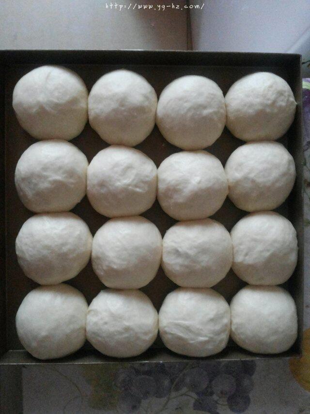 淡奶油软面包的做法 步骤4