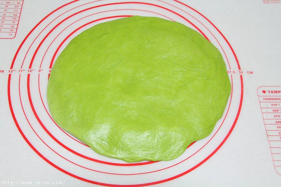 青蛙挤挤小面包的做法 步骤6