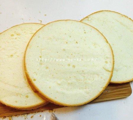 生日蛋糕教程【威化饼干围边】的做法 步骤1