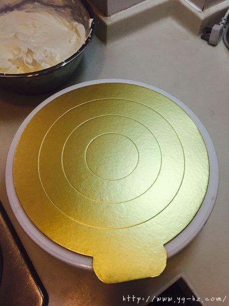 生日蛋糕教程【威化饼干围边】的做法 步骤4