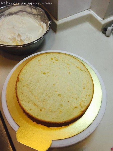 生日蛋糕教程【威化饼干围边】的做法 步骤5