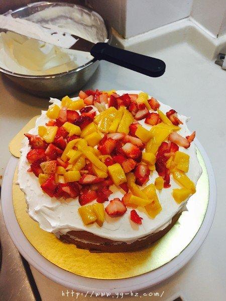 生日蛋糕教程【威化饼干围边】的做法 步骤7
