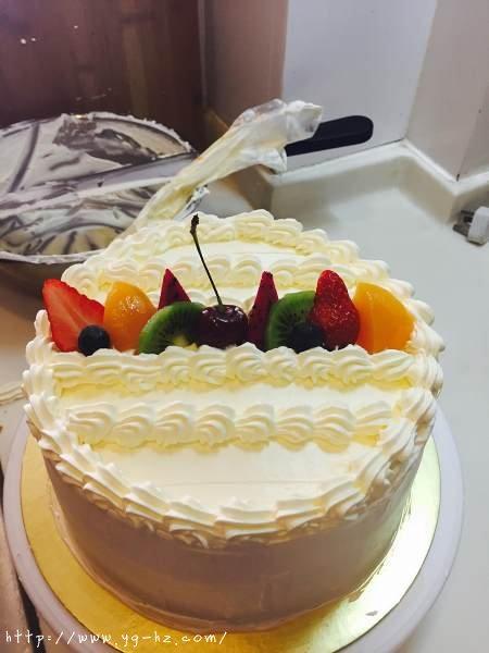 生日蛋糕教程【威化饼干围边】的做法 步骤15