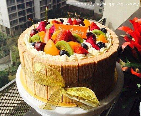 生日蛋糕教程【威化饼干围边】的做法 步骤20