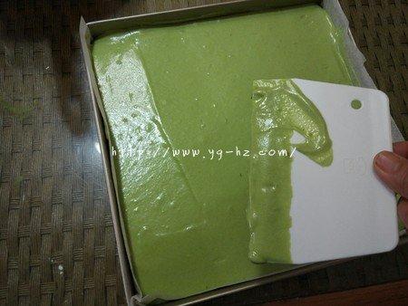 抹茶蜜豆蛋糕卷的做法 步骤9