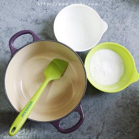 焦糖海盐冰淇淋(无需冰淇淋机版)的做法 步骤1