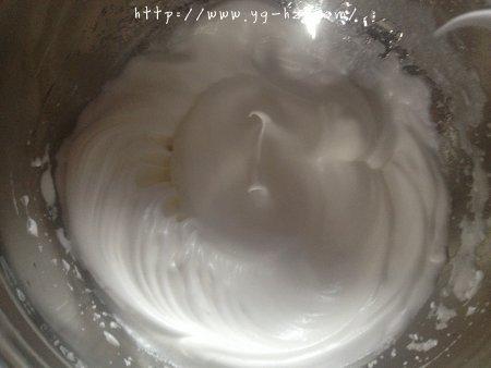 乳酪戚风蛋糕(6寸2蛋)的做法 步骤6