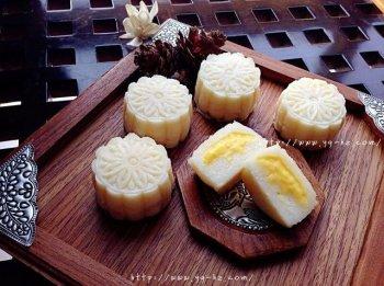 芒果芝士冰皮月饼