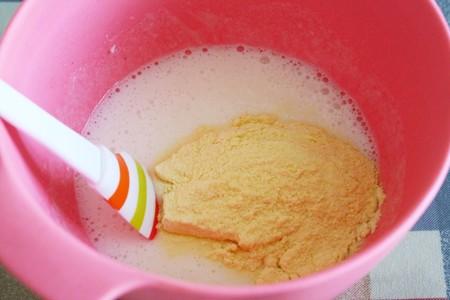宝宝辅食:蓬松好吃的枣泥山药米糕的做法 步骤4