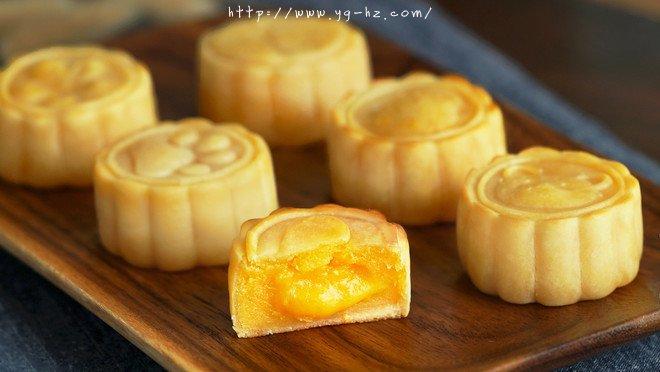 流心奶黄月饼(无吉士粉/转化糖浆版本)【曼食慢语】的做法