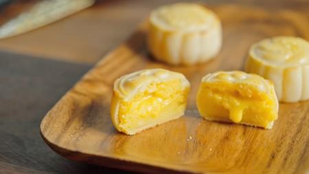 流心奶黄月饼(无吉士粉/转化糖浆版本)【曼食慢语】的做法 步骤22