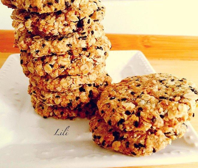 素食:燕麦芝麻大饼干的做法