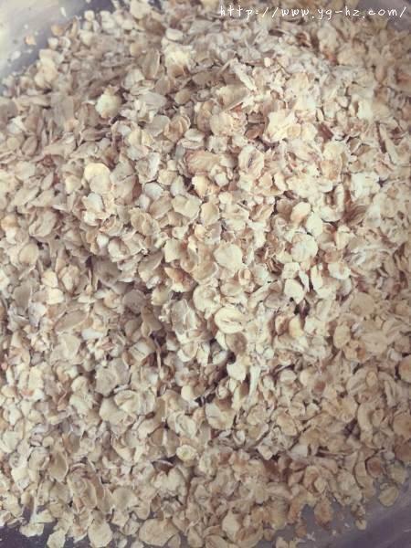 素食:燕麦芝麻大饼干的做法 步骤1