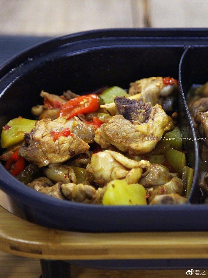 香菇鸡肉锅&香辣鸡肉锅,超简单的双味鸡肉锅