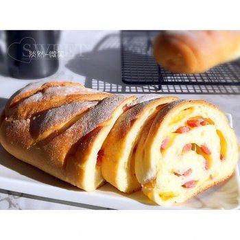 香肠(培根)芝士面包
