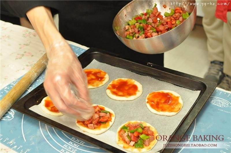 一口气可以干掉六个的 Mini意式披萨!的做法 步骤8