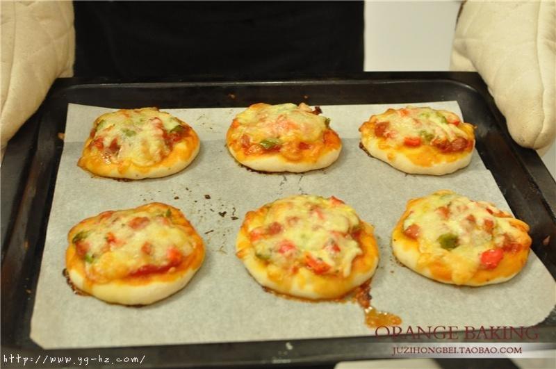一口气可以干掉六个的 Mini意式披萨!的做法 步骤11