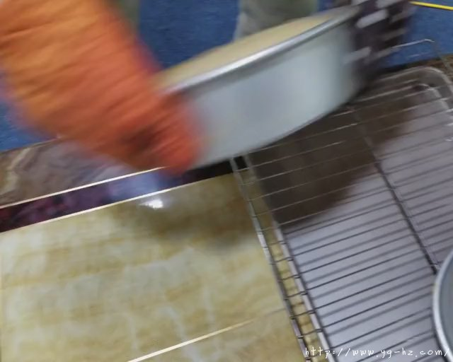 蛋糕的做法(8寸无水戚风私房专用)的做法 步骤26