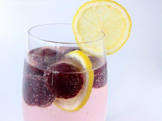 清凉一夏——柠檬杨梅冰饮的做法