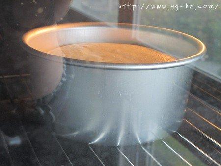 无油酸奶蛋糕6寸(2蛋)的做法 步骤9