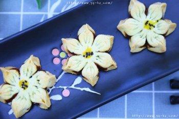 豆沙花瓣酥 宝宝辅食食