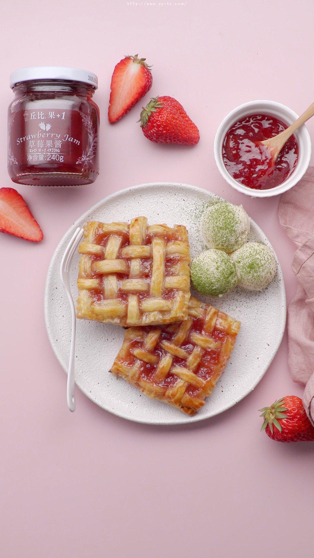 手抓饼草莓派的做法