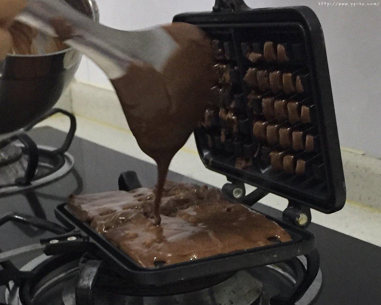 巧克力酱可可华夫饼(松软快手糯米粉版)的做法 步骤8