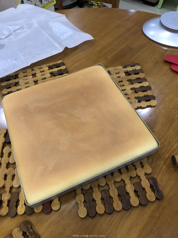 香橙蛋糕卷(好看好香好吃)的做法 步骤10