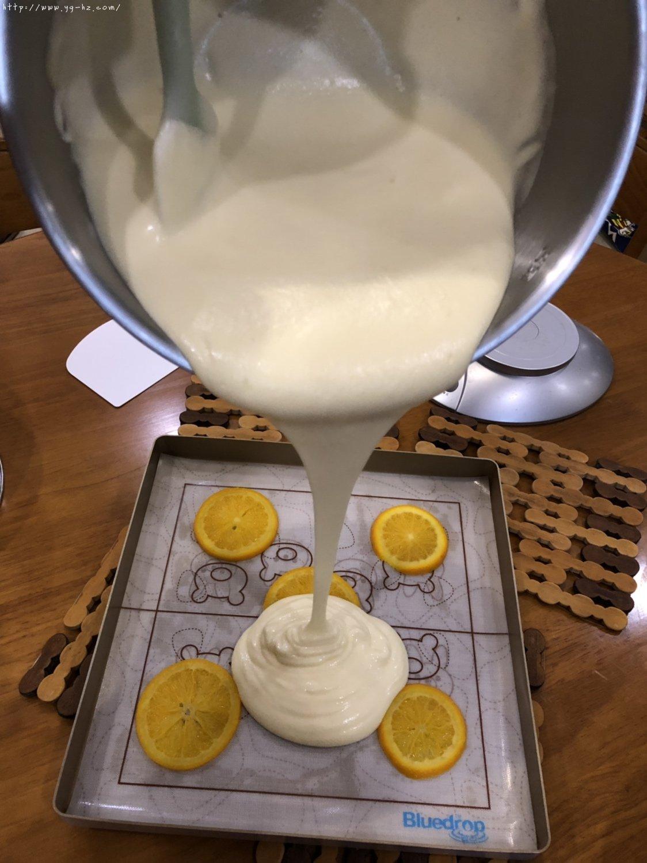 香橙蛋糕卷(好看好香好吃)的做法 步骤8