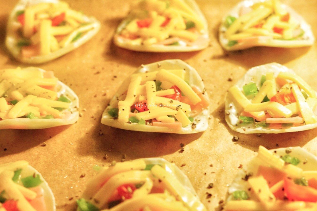 超快手的迷你土豆披萨的做法 步骤4