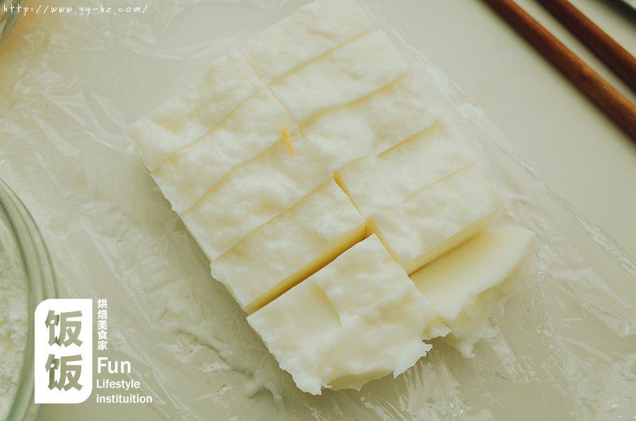 【炸鲜奶】牛奶炸着吃,好吃到没朋友!的做法 步骤4