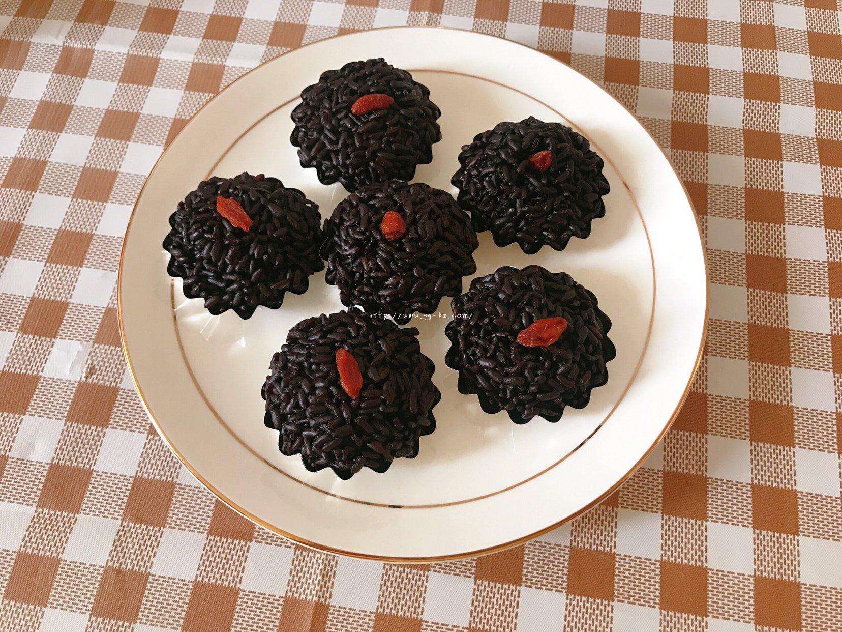 简单易学的广东点心黑米糕的做法 步骤4