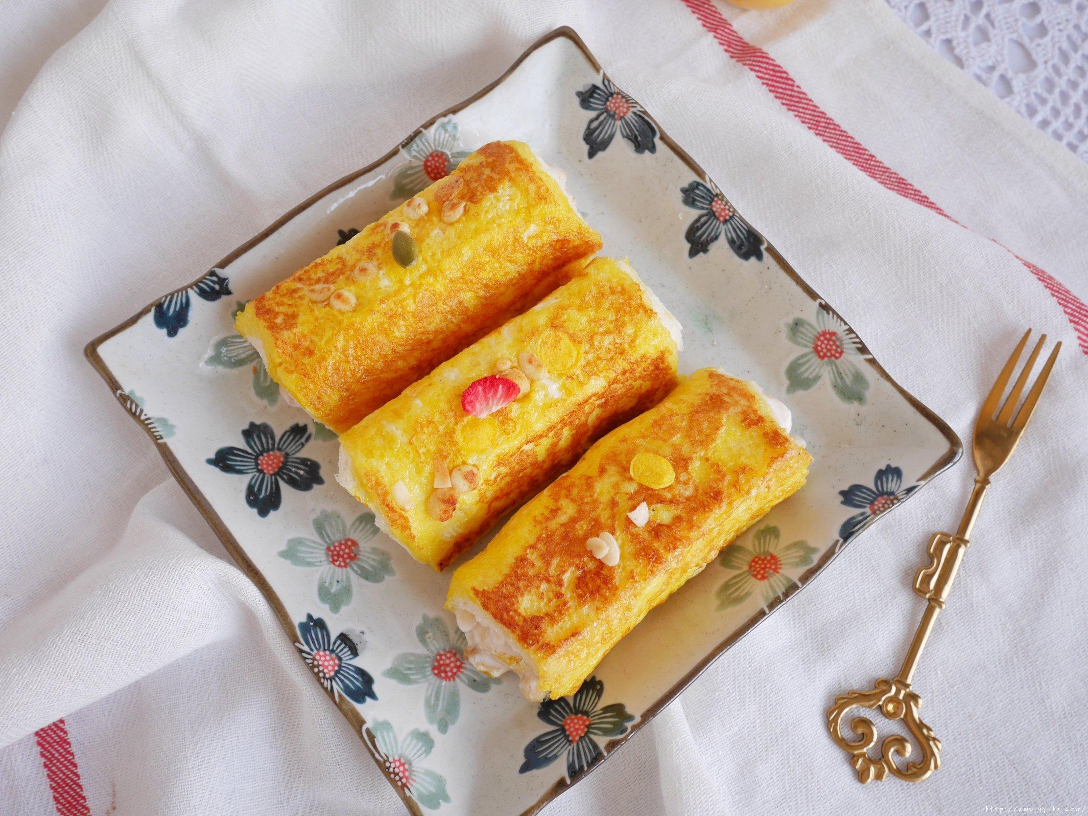 5分钟快手早餐酸奶吐司卷低脂不胖的做法 步骤8