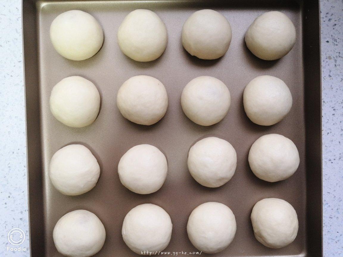 最简单的酸奶小餐包的做法 步骤6