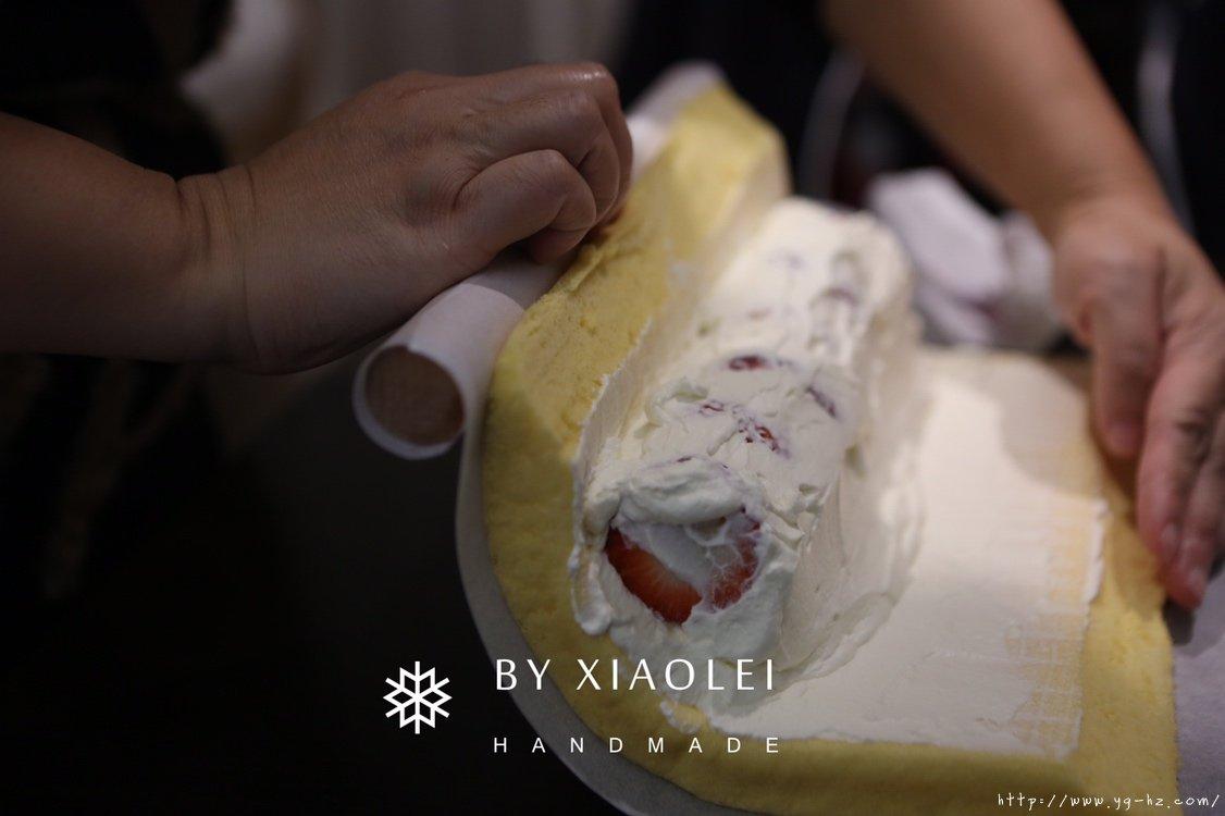 一锅搞定海绵蛋糕卷的做法 步骤13
