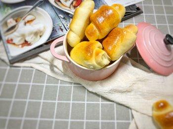 松软香甜的黄油面包卷