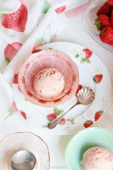 草莓冰淇淋的做法步骤图