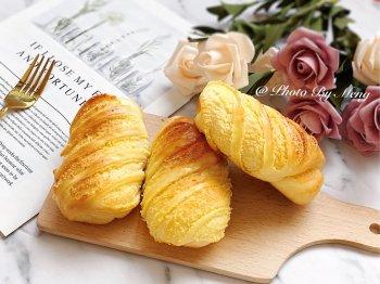 简单易操作的黄金椰蓉面包卷的做法步骤图