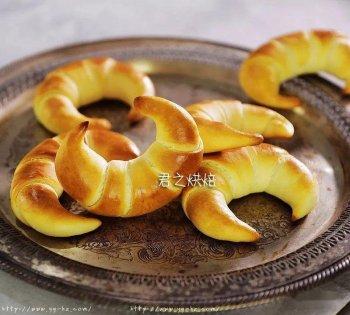 简单的软式金牛角面包,卷一卷,就做好了!