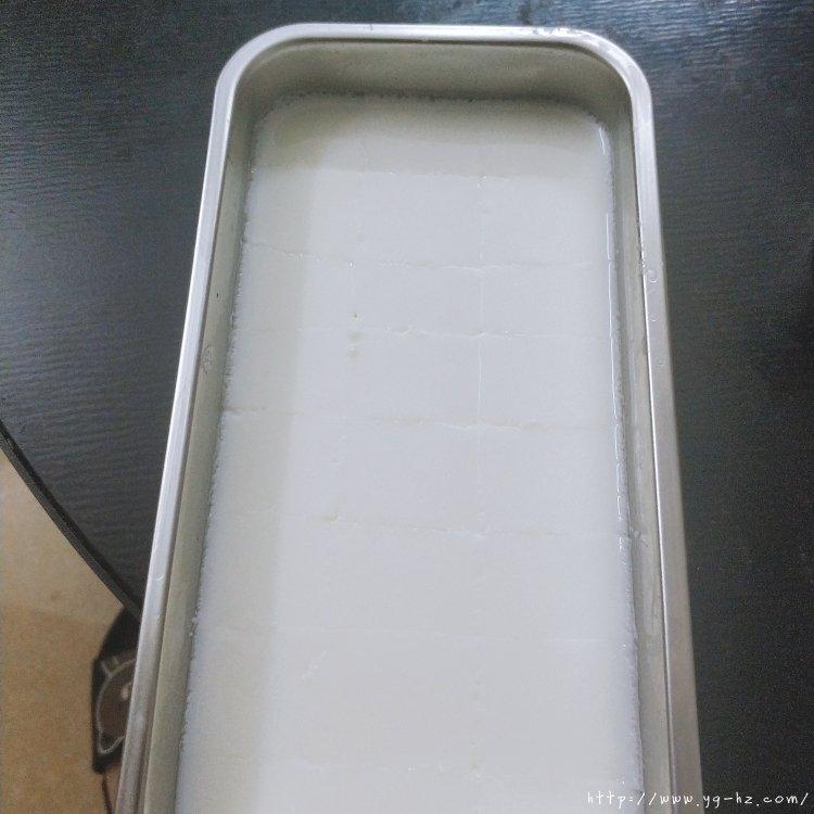 椰蓉小方(吉利丁片版)的做法 步骤2
