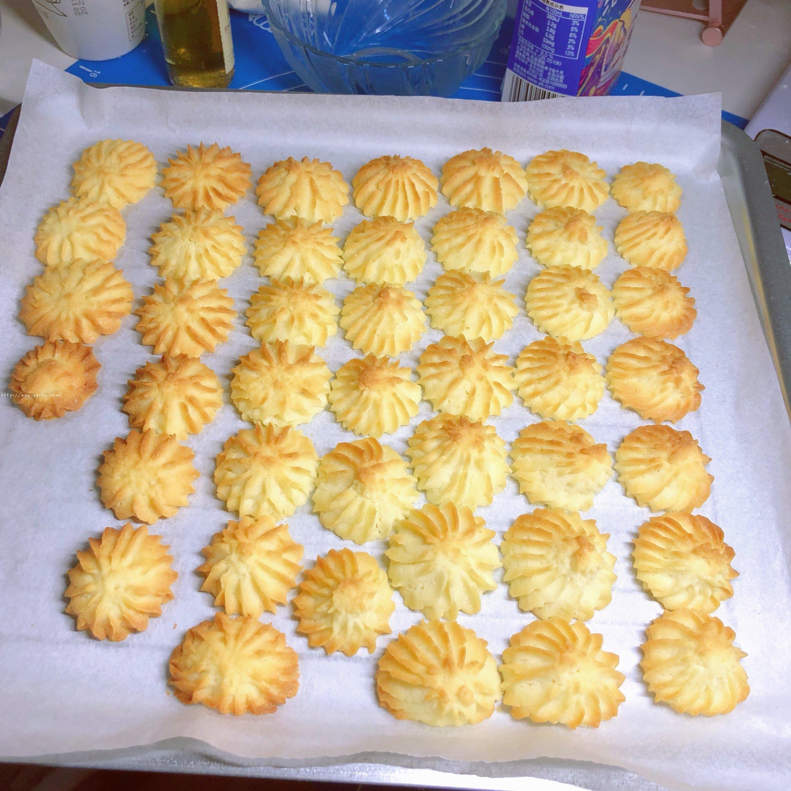 酥到掉渣 在家做超好的醇香曲奇饼干的做法 步骤7