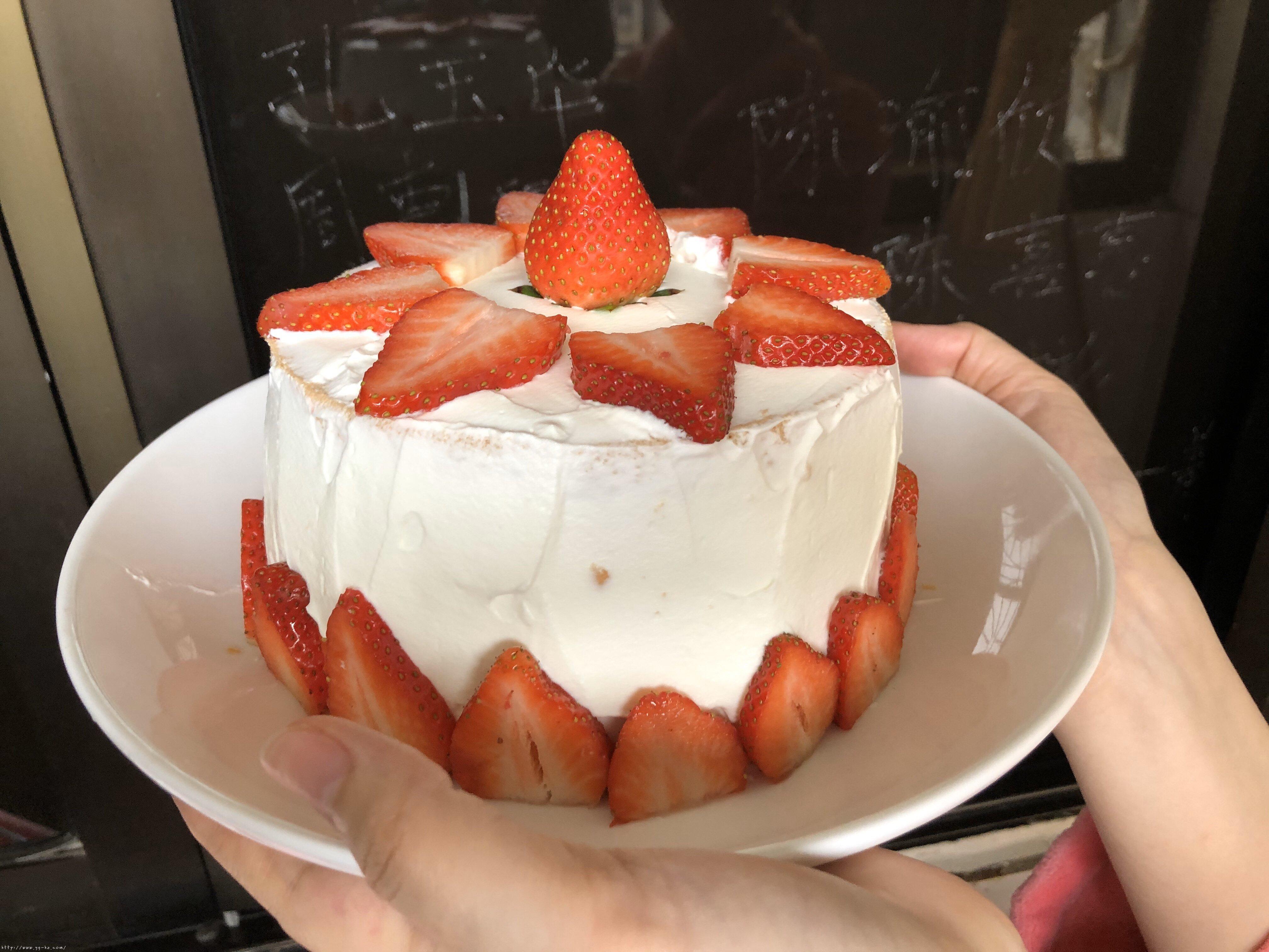 6寸深高草莓奶油蛋糕的做法 步骤6