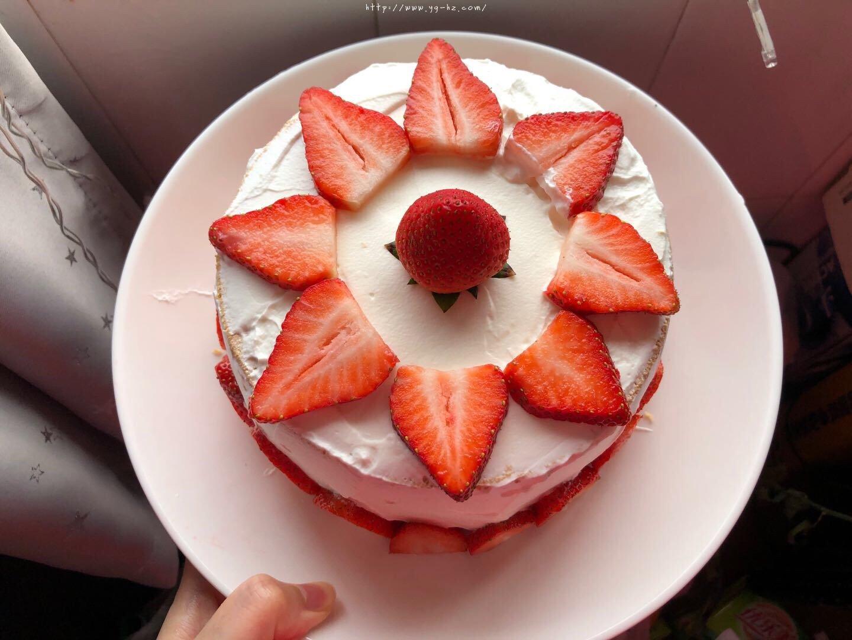 6寸深高草莓奶油蛋糕的做法 步骤4