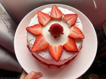 6寸深高草莓奶油蛋糕的