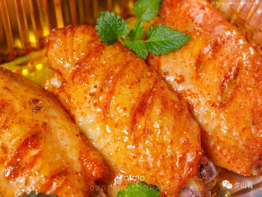 懒人版烤鸡翅-表皮酥脆,肉质嫩而多汁,超香的做法