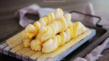 这是什么神仙花卷!咸蛋黄花卷 | 视频+图文