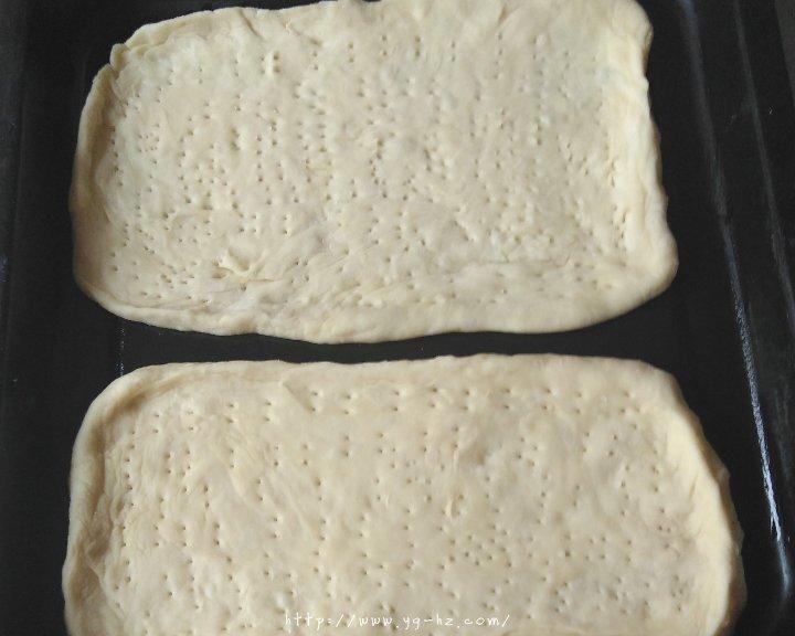 披萨饼皮(普通面粉版)的做法 步骤4