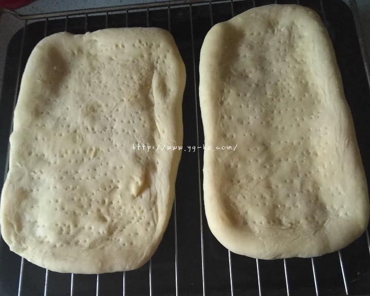 披萨饼皮(普通面粉版)的做法 步骤6